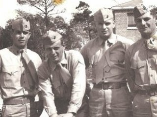 Black and White US Solders